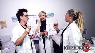 HITZEFREI Dr Mia Eruption masturbates in a catch office