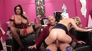 Big tidi Hot MILF Thots rides the dealings shop owner´s big dick be worthwhile for not paying