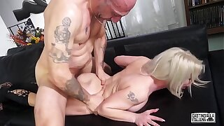 Pick ALLA ITALIANA - #Alessia Di Pessaro - Intense Anal Sex Be beneficial to Hot Italian MILF