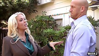 Bossy Hot MILF Call-girl Alura Jenson Makes a Dirty Deal