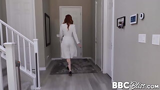 Redhead MILF makes cheating neonate suck BBC before facesitting