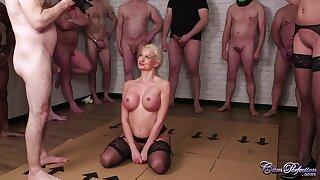 Well done MILF Cindy Sun serves many dicks - bukkake porn